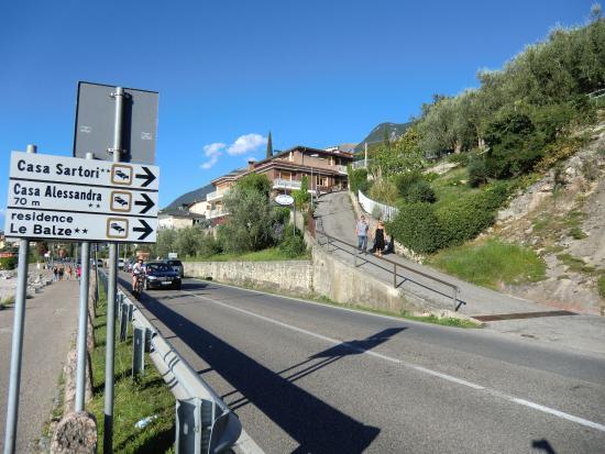 Hotel Casa Sartori: Auffahrt zur Casa Sartori
