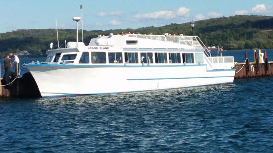 Pictured Rocks National Lakeshore: Our tour boat
