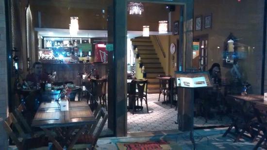 Pimenta Siria Buzios: Visual e mesas externas do restaurante