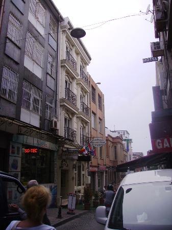Outside obr zok leyenda hotel istanbul tripadvisor for Leyenda hotel istanbul