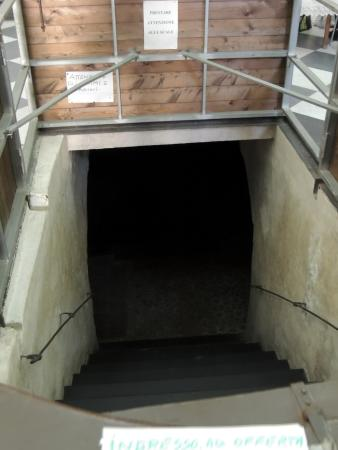 Chiesa di San Sepolcro : ingresso cripta