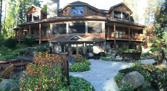 Chestertown, NY: The Fern Lodge