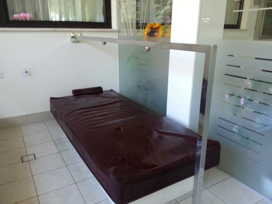Terme Dolomia : lettino per il bagno efferscente