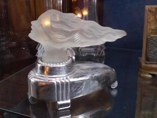 Kelly Art Deco Light Museum : Art deco lighting in museum