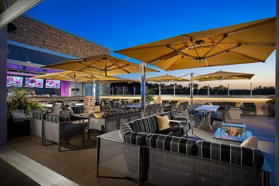 Rooftop terrace bar picture of topgolf overland park for The terrace bar