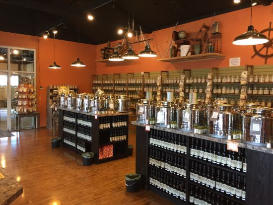 Spokane Valley, WA: Very cool tea and spice store.  Very friendly staff.