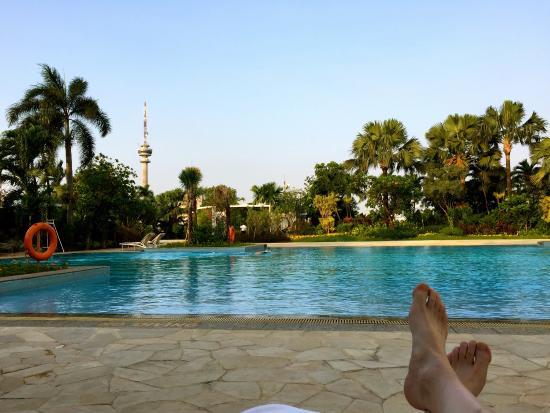 Hotel Mulia Senayan, Jakarta: Paradise Poolside