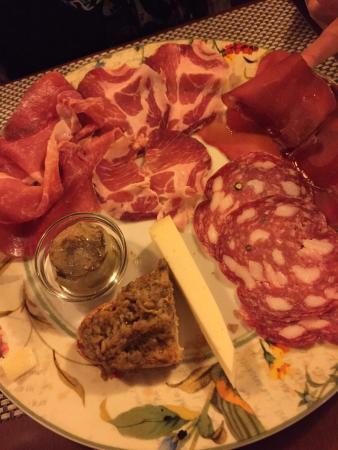 Pari, Italië: Piatti più che buoni