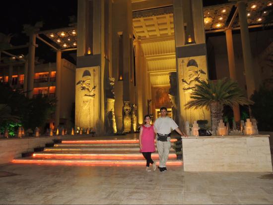 Dariush Hotel Entrance Picture Of Dariush Grand Hotel Kish Island Tripadvisor