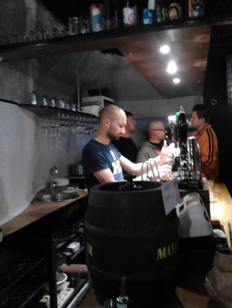 Auguri Buon Anniversario Bild Von Beer Shock Viterbo Tripadvisor