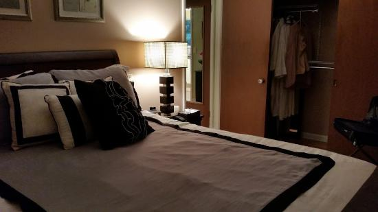 Parkside Bed and Breakfast : View of the bed and the closet provided.