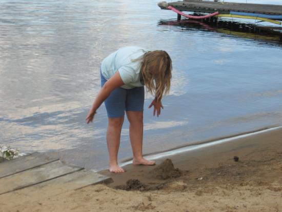 Riverland Lodge & Camp: Nice clean beach
