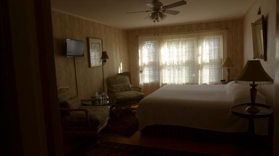 Wainwright Inn: Another room I peeked into