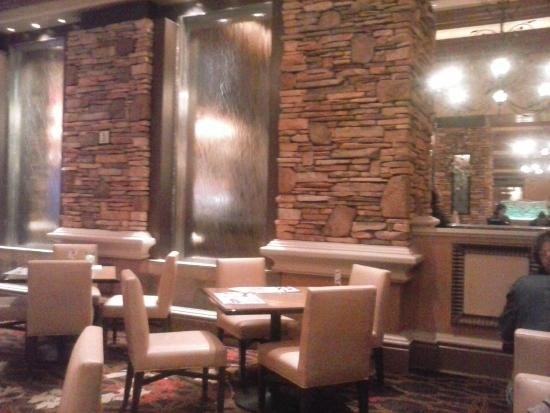 Feast Buffet at Green Valley Ranch: Room with water wall in buffet