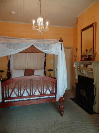 Lurline House: Our room