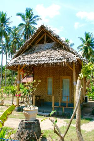 Our Traditional Bungalow - Picture Of Full Moon Bungalows, Nusa