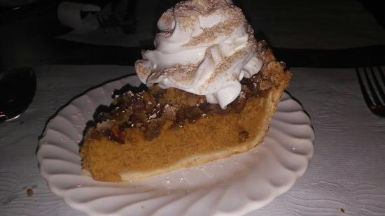 Sweet Season Farm: Cranberry pecan pumpkin pie!