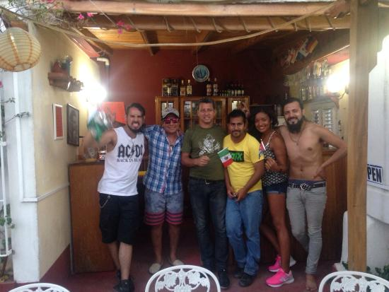 Rolando's Backpackers: It was very good. We had a good time with all The staff . We have to say the names leo ( Bartend
