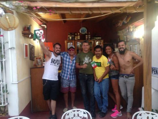 Rolando's Backpackers : It was very good. We had a good time with all The staff . We have to say the names leo ( Bartend