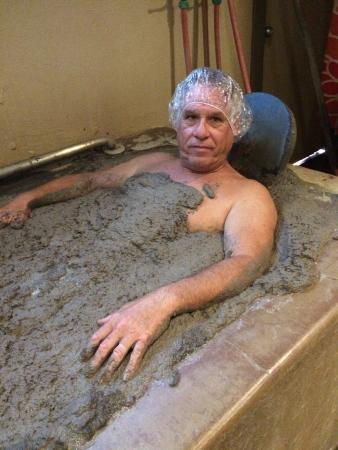 Golden Haven Hot Springs Spa : Mud baths are interesting