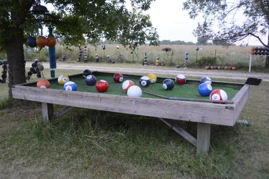 Bowling Ball Yard Art: Bowling Ball Pool Table