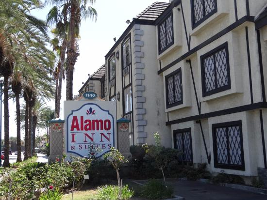 room view picture of alamo inn suites anaheim. Black Bedroom Furniture Sets. Home Design Ideas