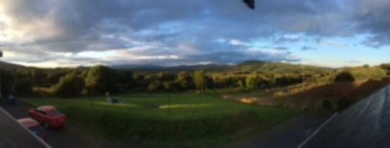 Tinahely, Irlanda: View of Lug from the room