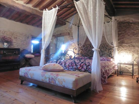 Agriturismo I Pitti : One of our bedrooms