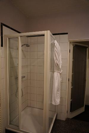 Tulipa Bed & Breakfast: 独立したシャワールーム