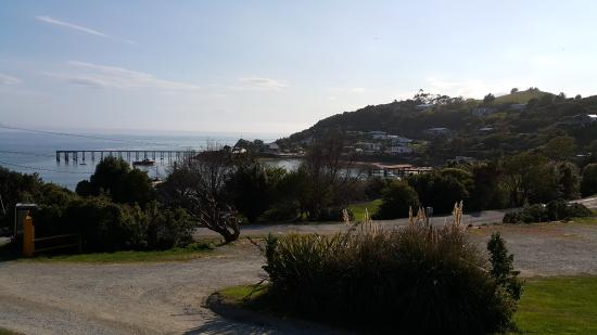 Moeraki Village Holiday Park : The view from our cabin