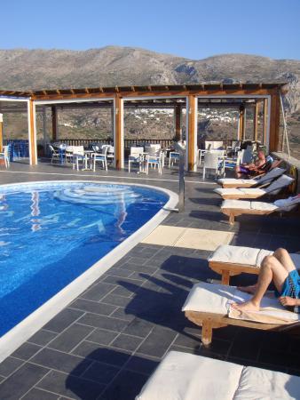 Tholaria, Греция: piscine et restaurant de l'hôtel
