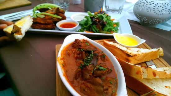 Mint Restaurant: Chicken livers and peri peri wings