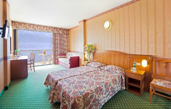 Photo of Hotel Splendid Palace Limone sul Garda
