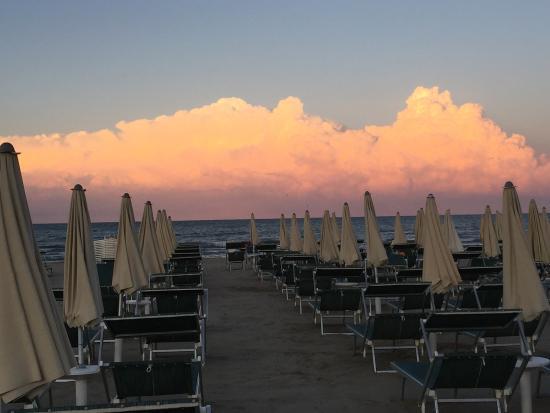 Momenti di festa al Pinetina Mare e al Bagno Vittorio.... - Picture ...