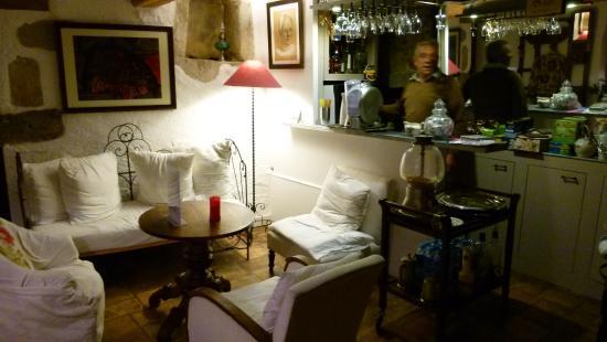 Saint-Pierre-des-Champs, ฝรั่งเศส: Ein Glas Wein oder eine Tasse Tee am Abend