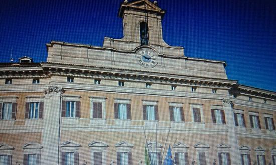 Palazzo di montecitorio front foto di palazzo di for Camera dei deputati palazzo montecitorio