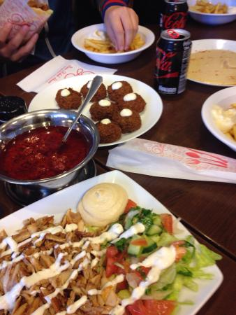 Divan copenhagen outer noerrebro restaurant reviews for Divan kebab menu