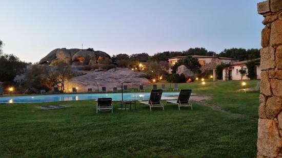 Tenuta Pilastru : Pool by night