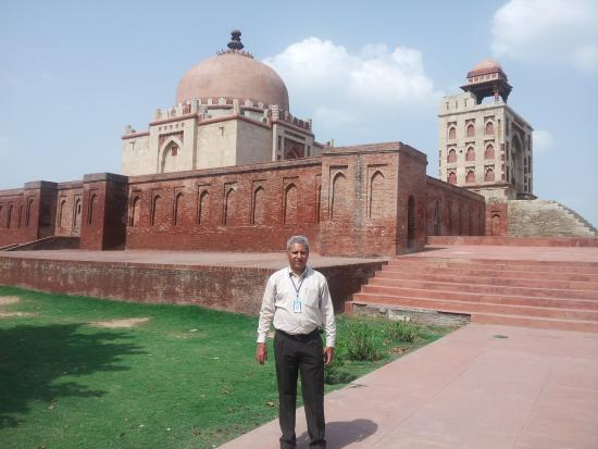 Sonipat, India: Tomb of Khizr Khan, Sonepat