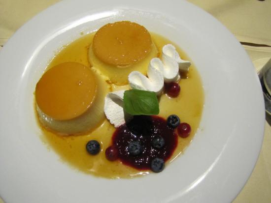 Pivnica@Le Meridien Lav Split: Yummy flan for dessert