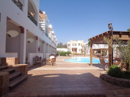 Oricana Hotel : الى الغرف يسارا