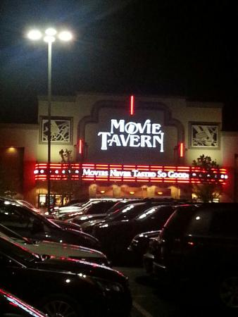 ‪Movie Tavern‬