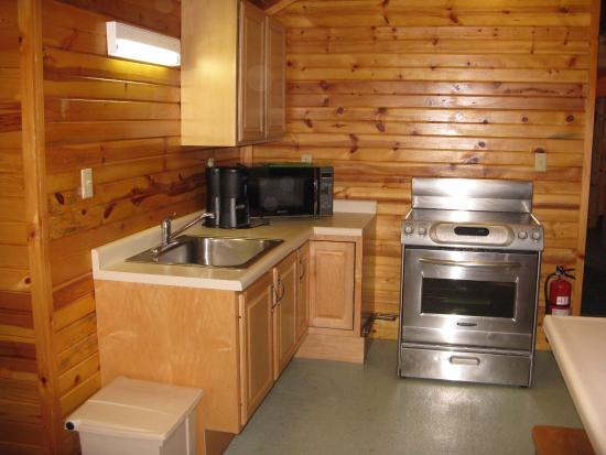 Claysburg, Pensilvania: Fishers Cabin Kitchen