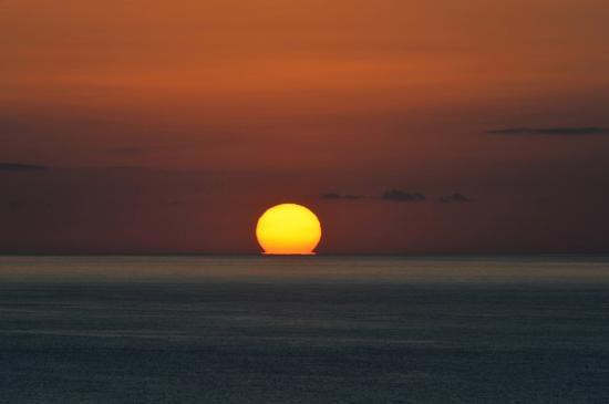 The Hotel Seaport: 部屋からの夕陽の眺めは最高です