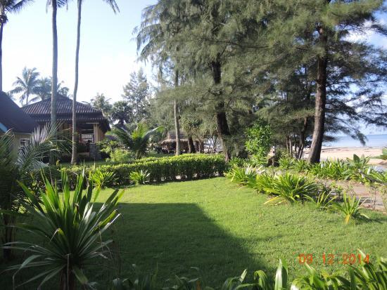Good Days Lanta Beach Resort: Территория отеля Gooddays Lanta Beach Resort