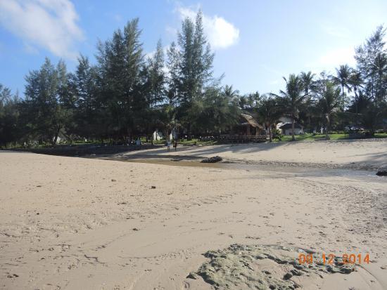 Good Days Lanta Beach Resort: Gooddays Lanta Beach Resort, крайний отель на пляже Лонг бич.