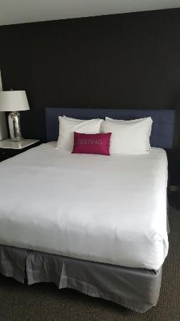 Hotel Lucent: Renovated Room