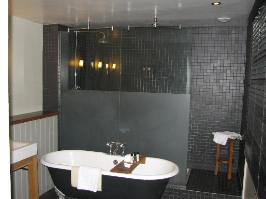 The bathroom with his 39 n 39 hers wash basins picture of for Best bathrooms rugeley