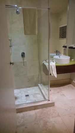 MyPond Hotel: Bathroom