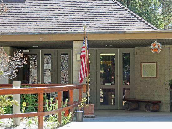 Idyllwild Nature Center:  headquarters building with museum